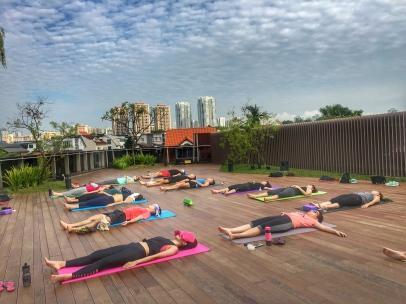 rooftop yoga singapore_11 Jun