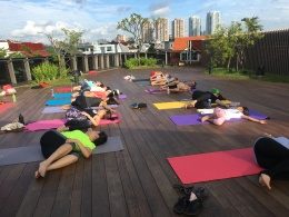rooftop yoga singapore_16 Jul
