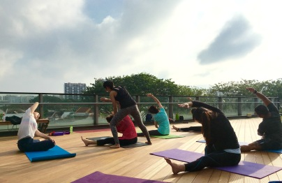 rooftop-yoga-singapore_19-feb_3