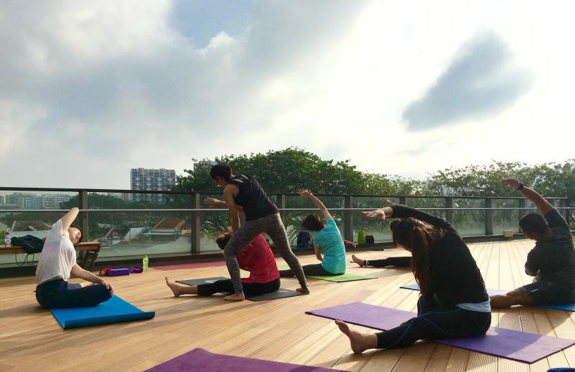 rooftop-yoga-singapore_19-feb_3