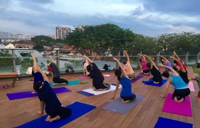 rooftop-yoga-singapore_22-feb_4