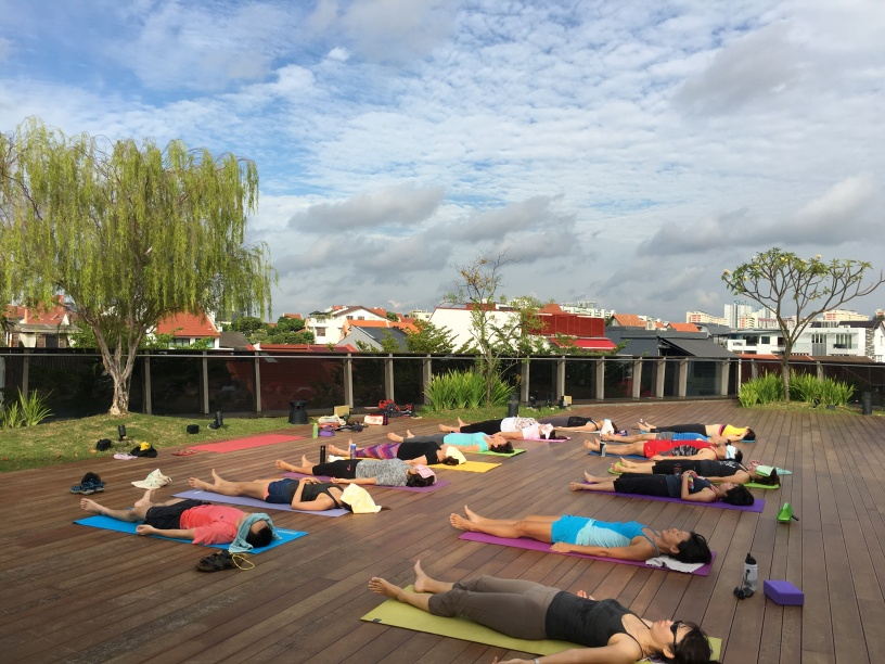 rooftop yoga singapore_4 Jun