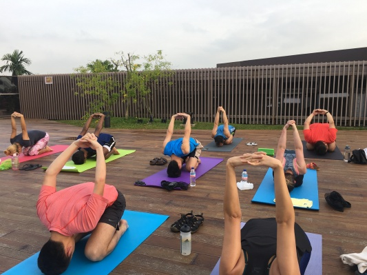rooftop yoga singapore_8 Oct